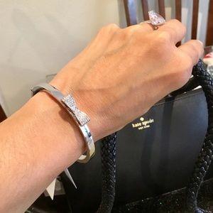 🛍 Kate spade Bow Pave Bangle bracelet